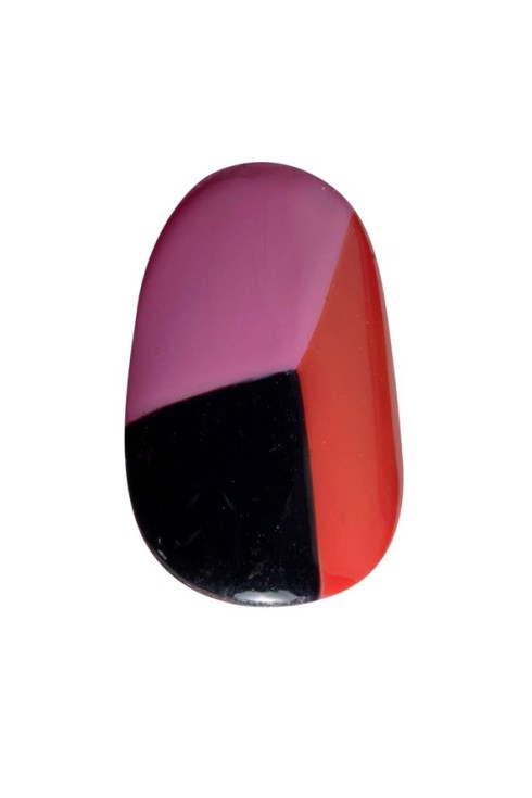 nails-02_v_2apr13_b_592x888_1