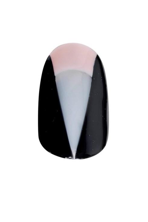nails-05_v_2apr13_b_592x888_1