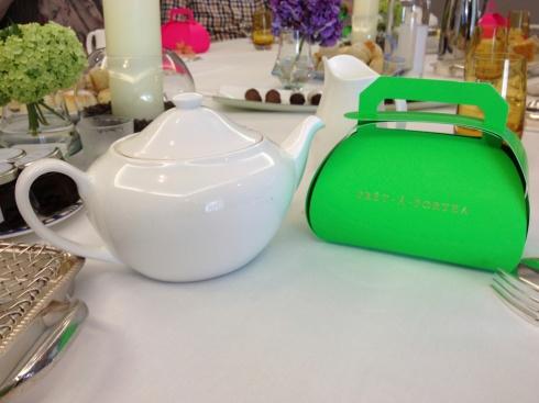 tea pot and pret a porte a